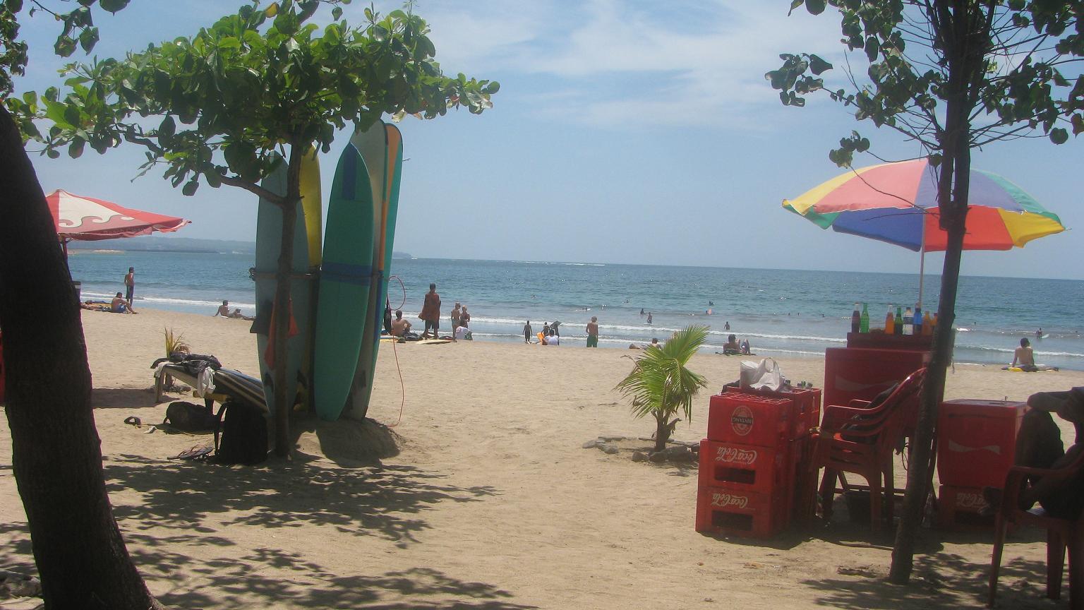 bali_beach_surfing
