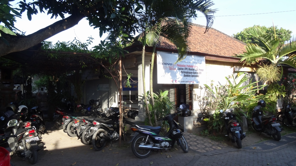 Lenovo Service-Center, Denpasar