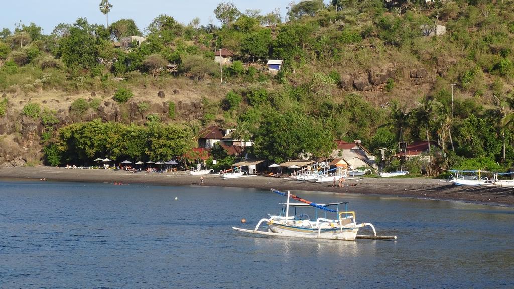 Bali322-Amed
