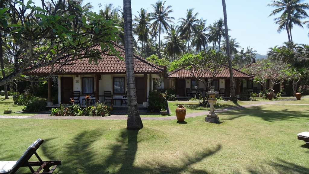 Bali341-Candidasa