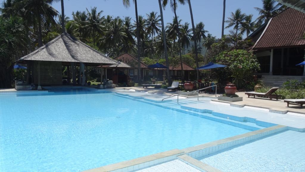 Bali346-Candidasa