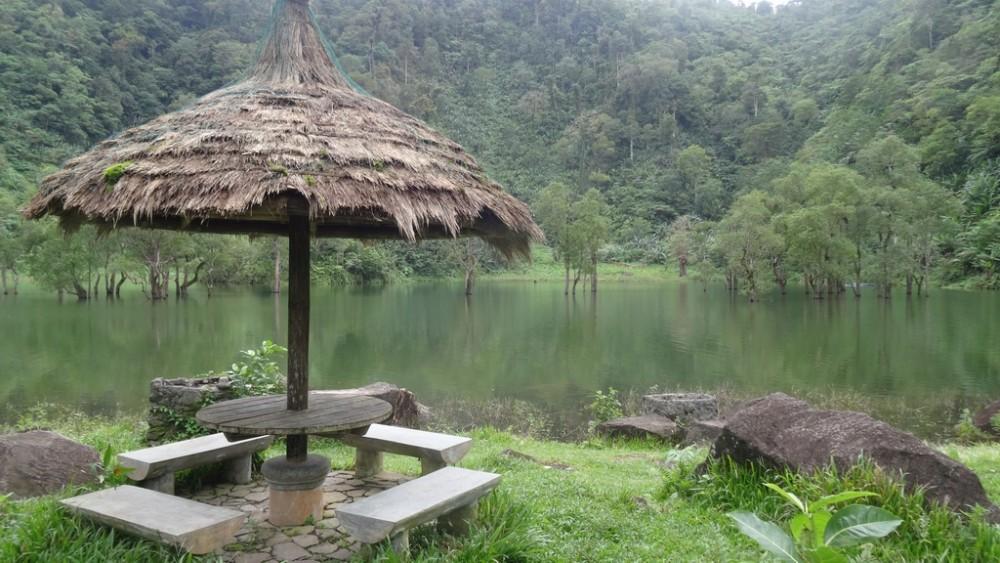 Philippinen0436-Negros-Twin Lakes